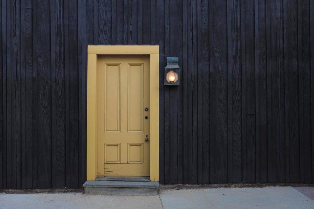 Lauko durys namui